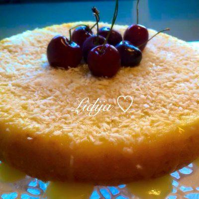 torta so preliv od puter, vanila i kokos