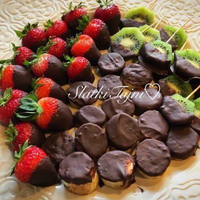 Svezo ovosje so cokolado