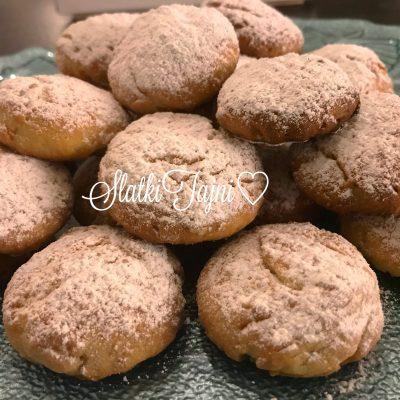 Cajni kolaci so kokos/ posno
