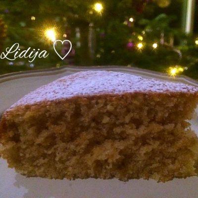 Gingerbread cake, meko kolace so gumbir