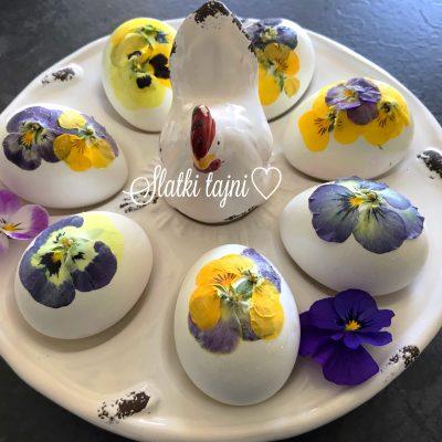 Decoupage tehnika za dekoracija na Veligdenski jajca.