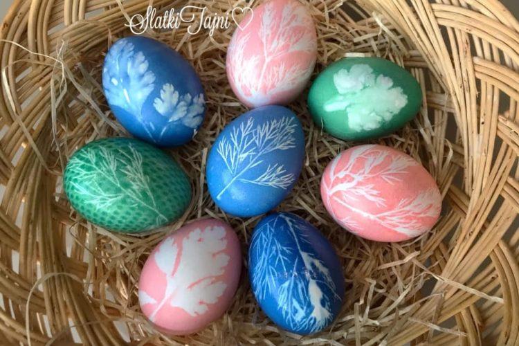 Veligdenski jajca šareni so trevki!!