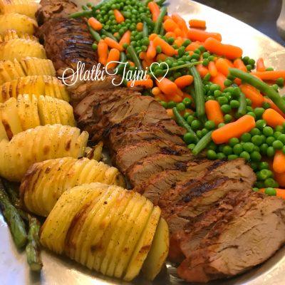 Marinirano svinsko file so pecen kompir, sos i zelencuk
