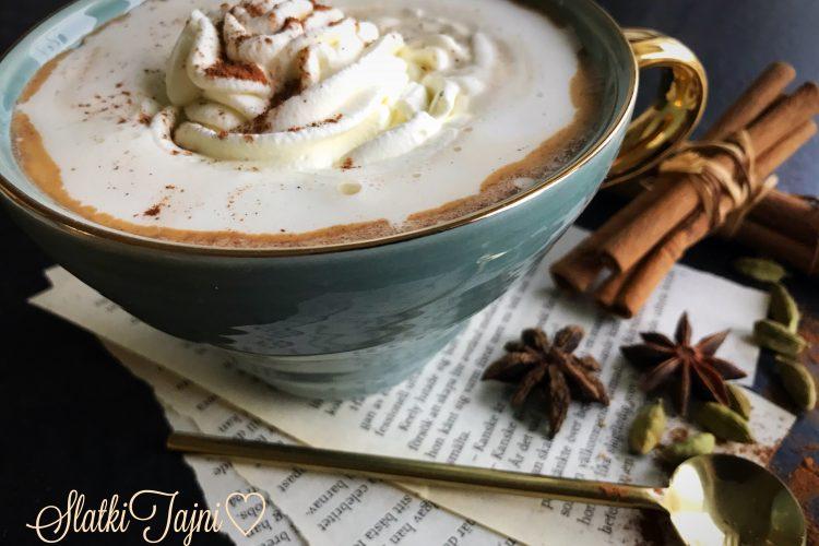 Kafe latte so tikva i zacini!