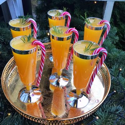 Praznicen Cocktail so sok od mandarini!