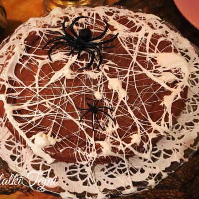 Cokoladna torta za halloween!!