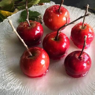 Šekerni crveni jabolka kako na prikaskata Snezana i sedumte dzudzinja!!
